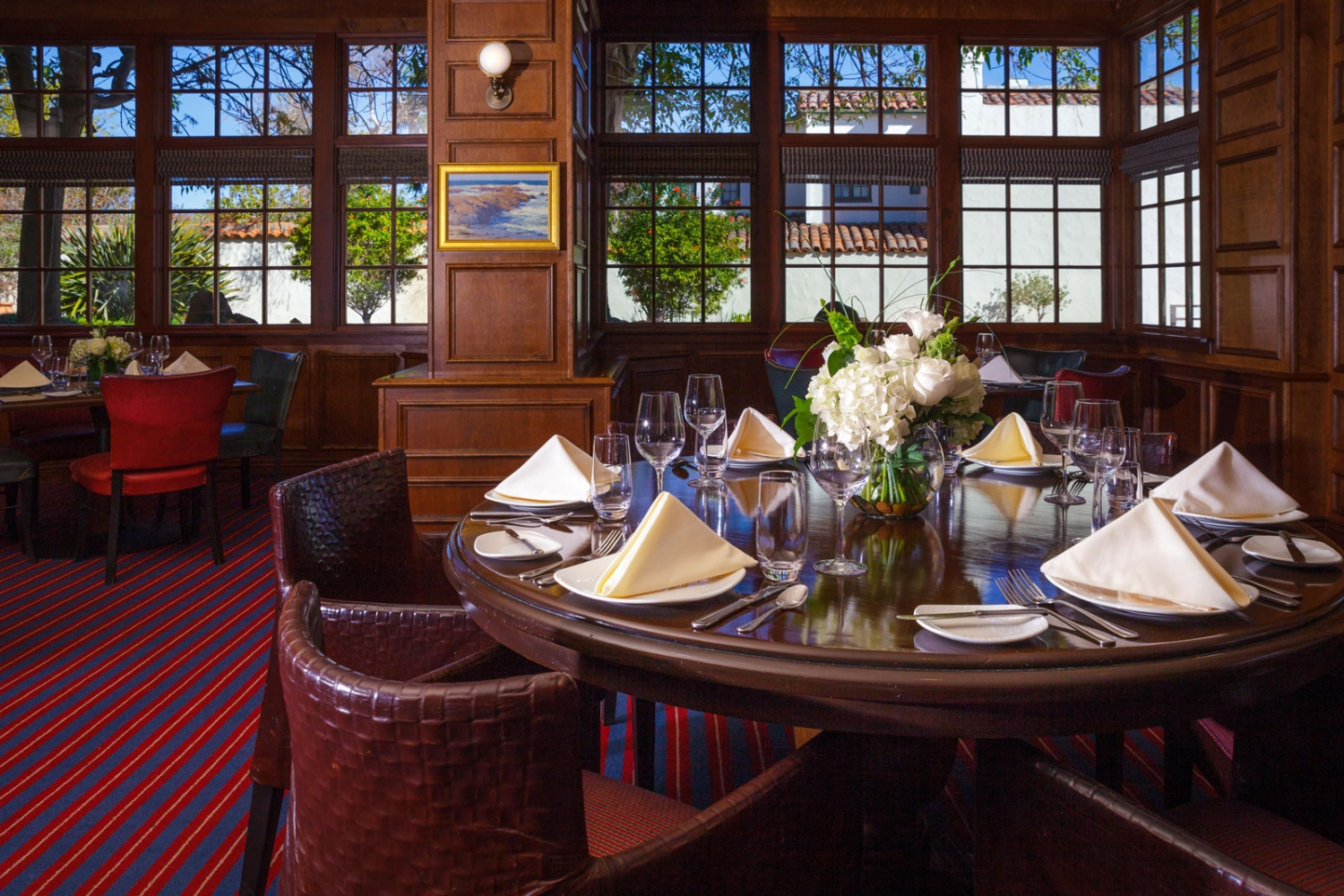 Dine In The Cozy Fireside Dining Room, Or Breathe In The Fresh Coastal Air  On The Outdoor, Pet Friendly, Heated Patio.