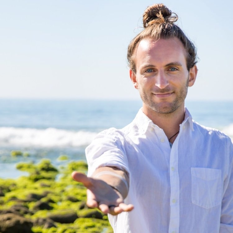 Om Studios: Yoga and Live Music Class with Kevin Paris and