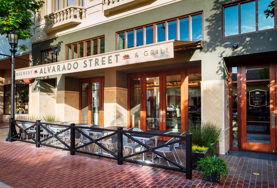 Backyard Bbq Alvarado Street Brewery S First Anniversary